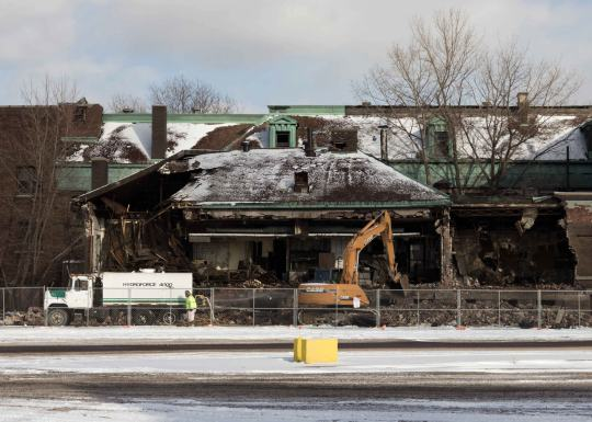 January 24, 2012: The start of the demolition of Bethlehem Steel Administration Building. Photo by David Torke.